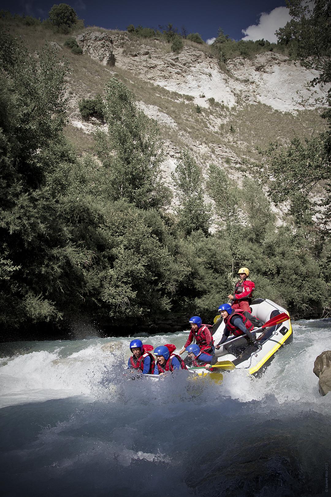 Laurent-rico-savoie-bride-les-bains-doron-bozel-photos-videos-reportage-groupe-riviere-descente-essaonia-rafting-eau-vive-