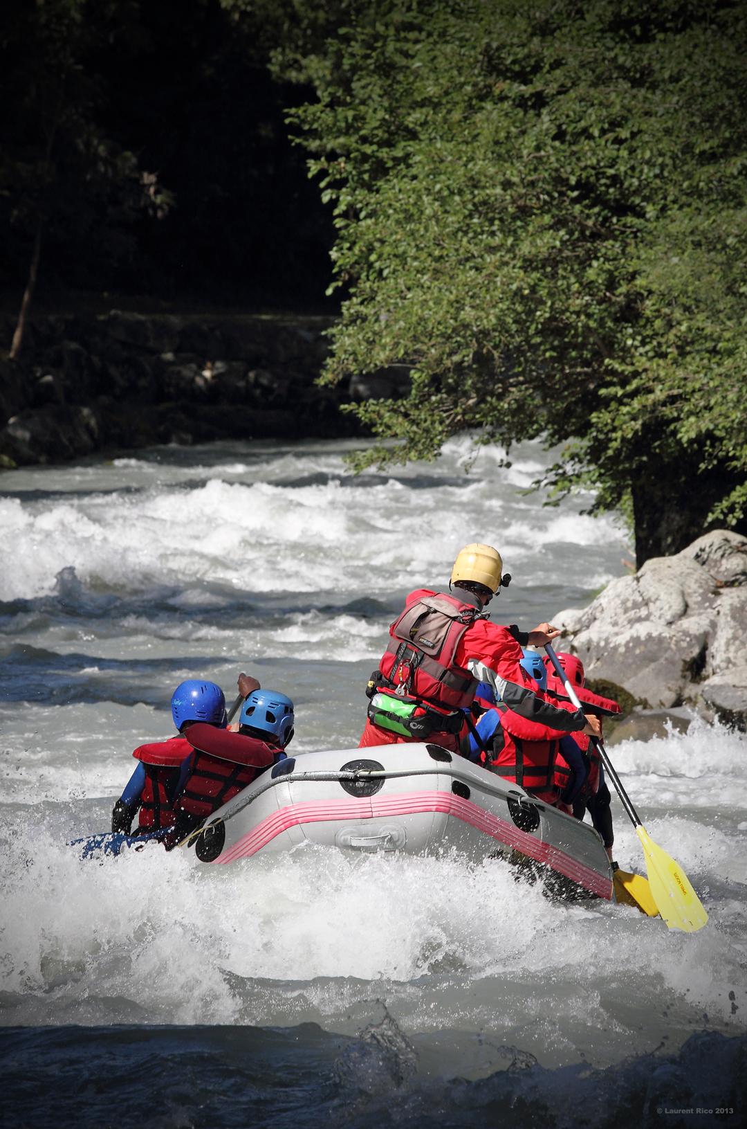 Laurent-rico-savoie-photographies-videos-reportage-outdoor-groupe-riviere-descente-essaonia-rafting-eau-vive-