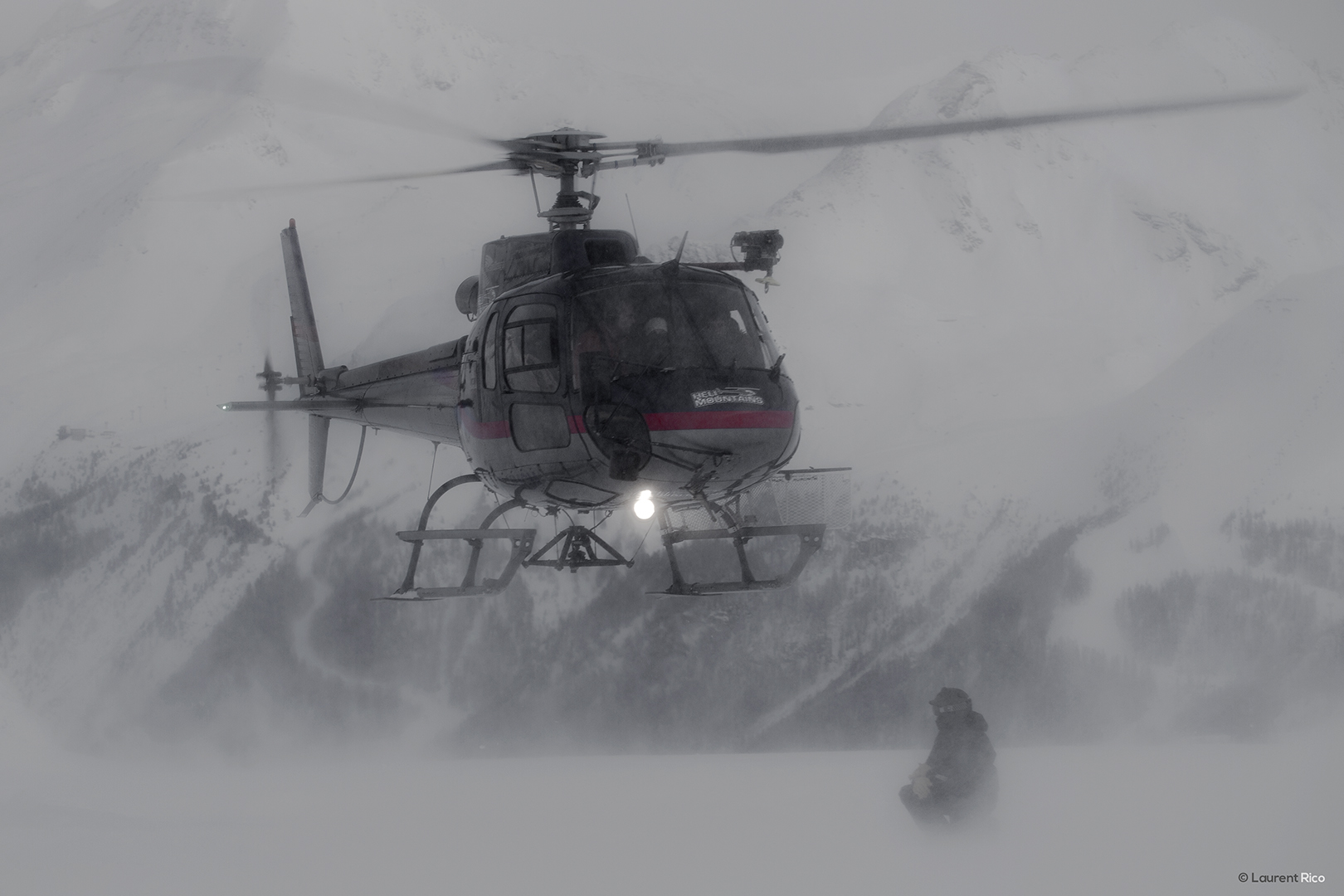 laurent-rico-production-photographe-videaste-savoie-les arcs-val d'isere-tignes-reportage-outdoor-helicoptere-evenements-organisations-seminaires-